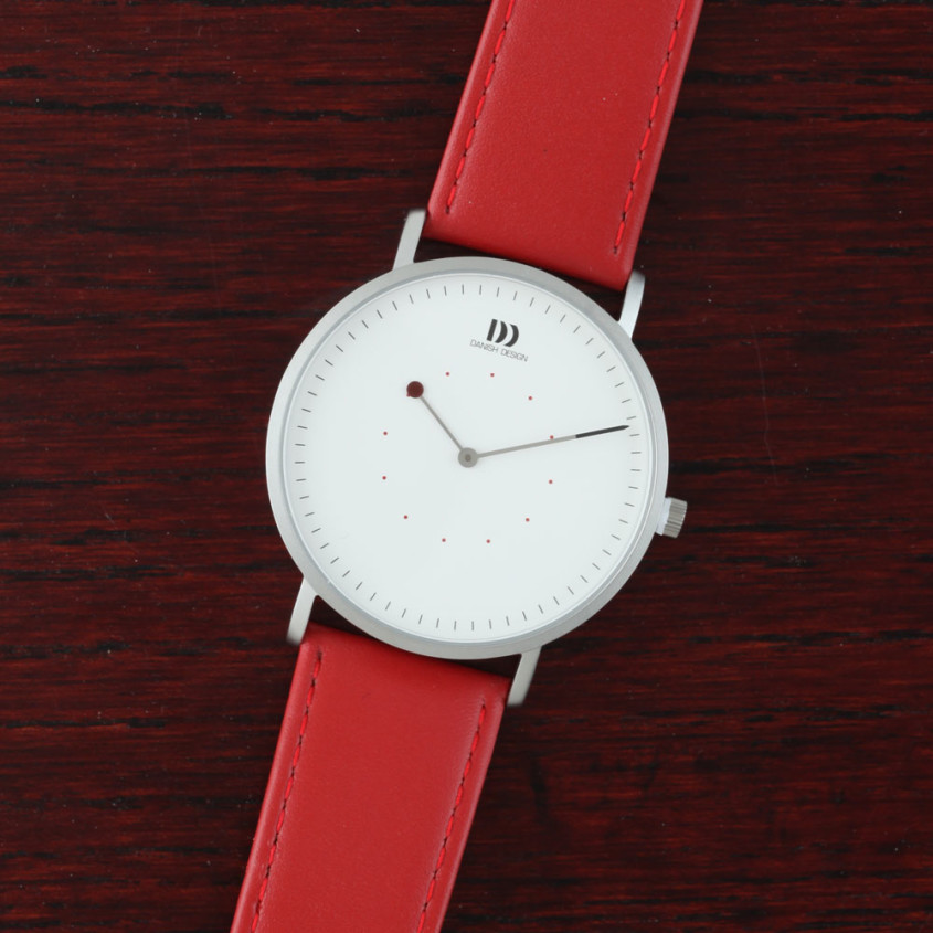 Danish Design horloge met rode band