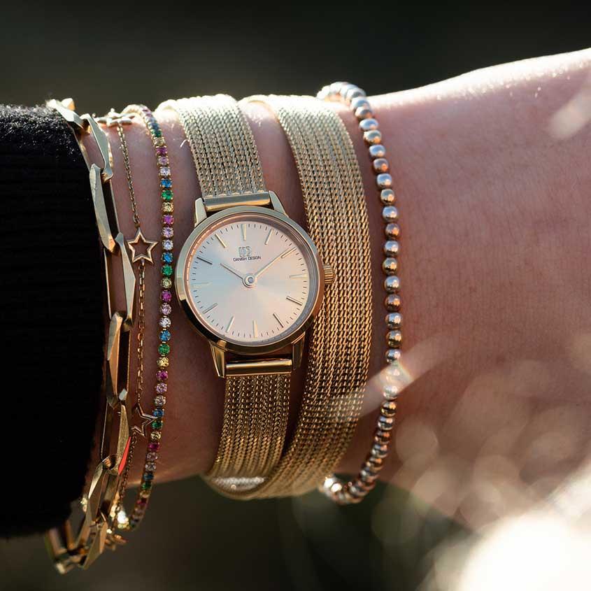 Foto Akilia horloge met sieraden