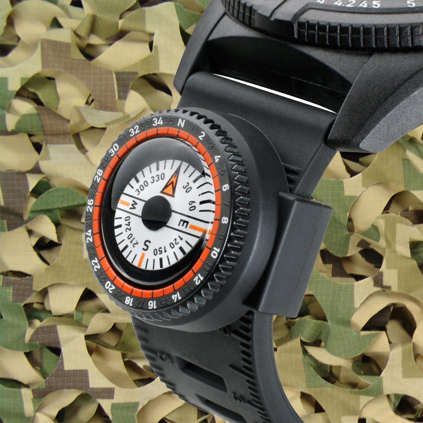 Foto kompas aan horlogeband