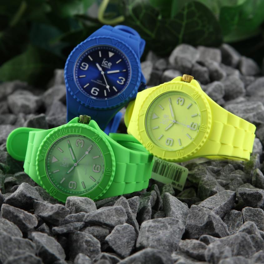 Ice-Generation horloges in Opvallende en felle kleuren