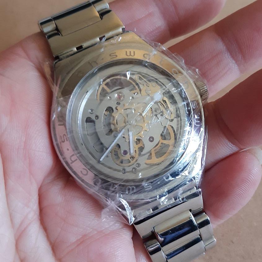 Foto van horloge in huishoudfolie
