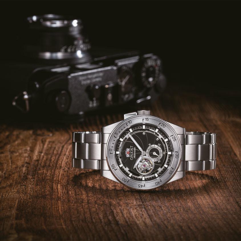 Foto Orient Retro-Future Camera horloge