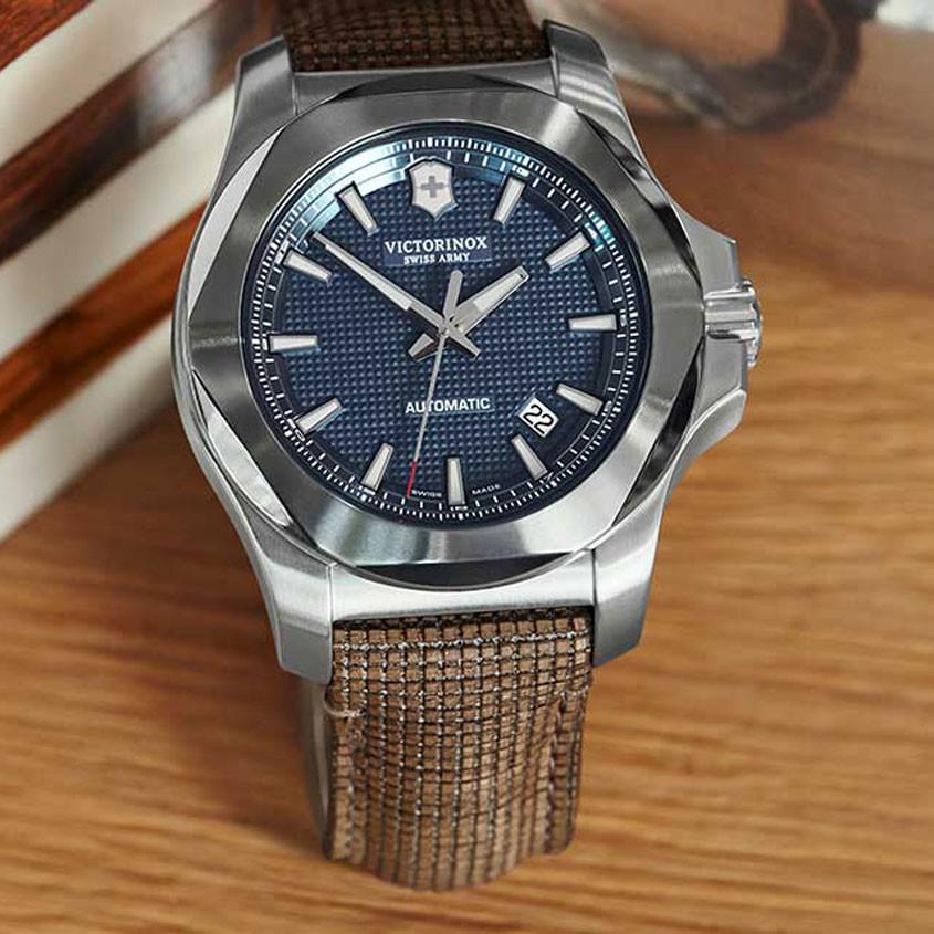 Foto Victorinox horlogeband van hout